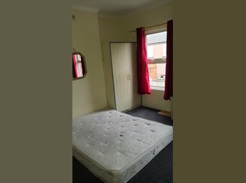 EasyRoommate UK - Double room to rent, Luton Dallow Road koło boczka :P, 10 minutes to town centre - Luton, Luton - £100 pcm
