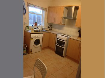 EasyRoommate UK - Double room in town centre - St Johns Green, Colchester - £450 pcm