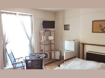 Lovely newly decorated clean and new fully furnished bed...