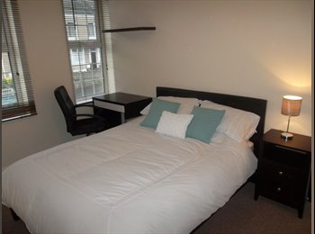 EasyRoommate UK - Bay campus ideal post-grad house - Swansea, Swansea - £390 pcm