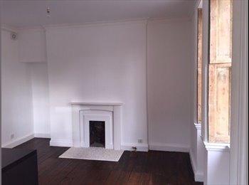 EasyRoommate UK -  Apartment in Bath - Bath-easton, Bath and NE Somerset - £750 pcm