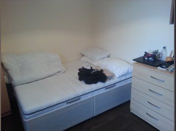 DOUBLE AND SINGLE ROOM AVAILABLE IN OXFORD