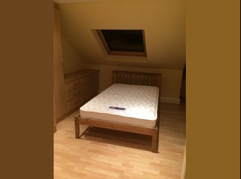 EasyRoommate UK - En Suite Double bedroom - Enfield, London - £700 pcm
