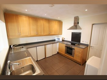 EasyRoommate UK -  House in Southampton - Portswood, Southampton - £2,639 pcm