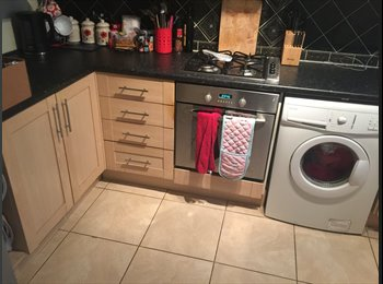Spacious double room available in Upper Walthamstow