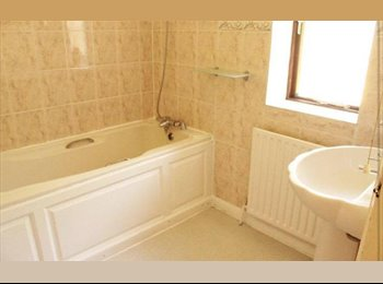 EasyRoommate UK - URGENT!! DOUBLE ROOM AVAILABLE - Moulsecoomb, Brighton and Hove - £450 pcm