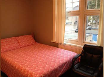 EasyRoommate UK - DOUBLE ROOM - FULLY FURNISHED - East Ham, London - £500 pcm