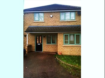 EasyRoommate UK - Room to rent  - Huddersfield, Kirklees - £400 pcm
