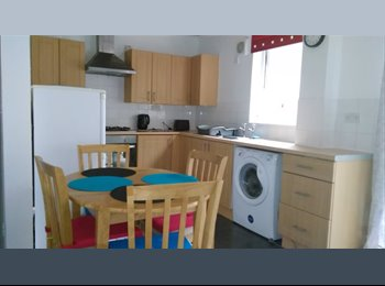 EasyRoommate UK - DOUBLE ROOM - Bath, Bath and NE Somerset - £433 pcm