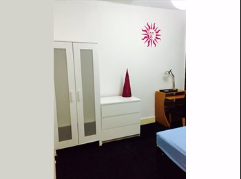 Beautiful Double Room for a Single use in a Friendly House....