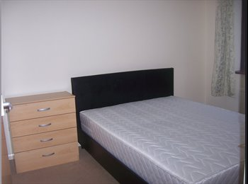 EasyRoommate UK - Social & Professional Female or Male - House Share - Great Linford, Milton Keynes - £400 pcm