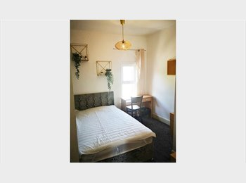 EasyRoommate UK - 3 bed house  - Broomhall, Sheffield - £280 pcm