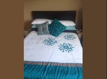 EasyRoommate UK - Large double room for rent - Bishopsworth, Bristol - £550 pcm