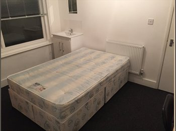 EasyRoommate UK - Brighton Student Room Available Immediately - Brighton, Brighton and Hove - £455 pcm