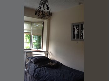 EasyRoommate UK - LARGE ROOM AVAILABLE IN FAMILY HOUSE - Edgware, London - £500 pcm