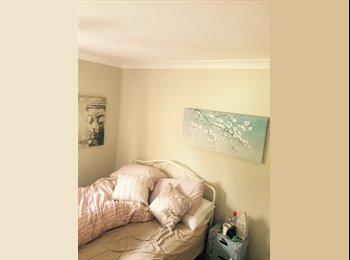 EasyRoommate UK - Double room to rent near station - Haywards Heath, Haywards Heath - £550 pcm