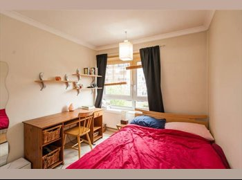 Bright Double Room plus a Spare Bedroom ideal for couples