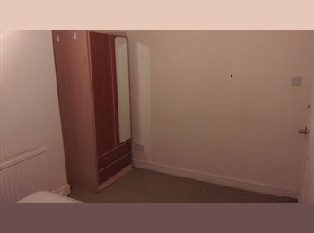 EasyRoommate UK -  Halal hygienic non alcohol & non smokers only. - Manor Park, London - £360 pcm