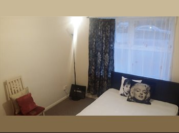 EasyRoommate UK - double room for single using - East Ham, London - £520 pcm