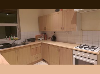 EasyRoommate UK - 1 Double Bedroom, Fallowfield, ALL BILLS INCLUDED - Fallowfield, Manchester - £325 pcm