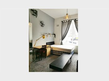 3 Bed Room Flat to let