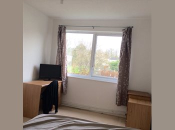 EasyRoommate UK - Furnished Double Room for Rent - £500 Pcm - Stantonbury, Milton Keynes - £500 pcm