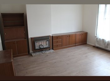 EasyRoommate UK - 3 Double Room house to rent - Barking and Dagenham, London - £1,600 pcm