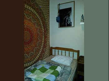 Cozy room to rent near to city centre