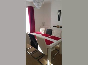 EasyRoommate UK - 1 bedroom in a 2 bed house in Macer's Lane, Broxbourne (EN10) - House Share - Edgware, London - £500 pcm