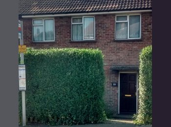 EasyRoommate UK - Rooms on individual agreements with all bills included from £39390pcm - Canterbury, Canterbury - £395 pcm