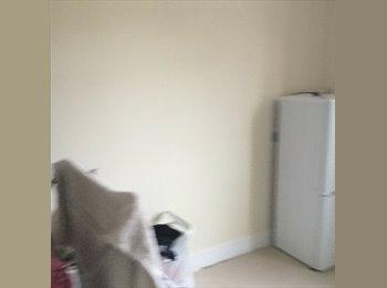EasyRoommate UK - Big double room for rent - Harrow, London - £600 pcm