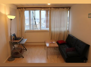 EasyRoommate UK - friendmate wanted for share a double big and beatiful room 100 pw. 8 min walk from Brick Lane - Whitechapel, London - £400 pcm