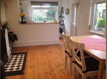 EasyRoommate UK - Double room in Plumstead - Woolwich, London - £580 pcm