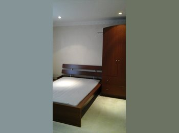 EasyRoommate UK - Double room w Ensuite - Bow, London - £650 pcm