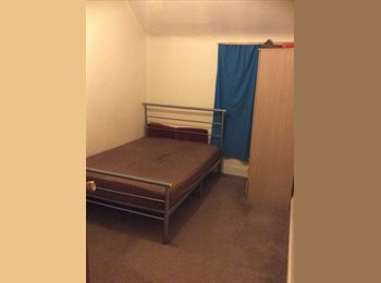 EasyRoommate UK - Double Room For Rent - East Ham, London - £450 pcm
