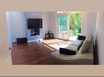 EasyRoommate UK - Cosy Single Room for a Female... In a friendly flat share... All bills included - Pinner, London - £500 pcm