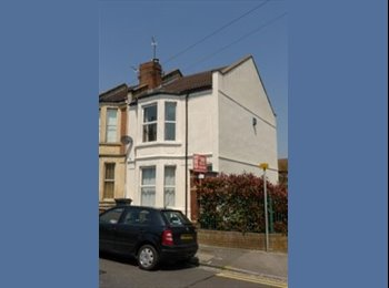 EasyRoommate UK - Double room in spacious house share in prime location! - Horfield, Bristol - £385 pcm