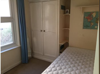 EasyRoommate UK - £520 per month room in Earls Court - Earls Court, London - £520 pcm