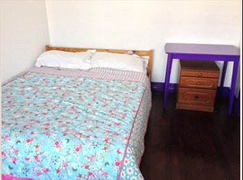 EasyRoommate UK - Double bed room in Walderslade - Walderslade, Chatham - £350 pcm