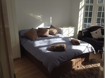LARGE DOUBLE ROOMS + 1 SINGLE ROOM