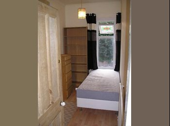 Small Room In Mixed Houseshare
