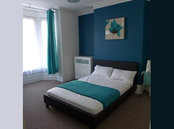 Newly decorated double bedroom available NOW