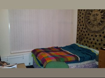 EasyRoommate UK - Double bedroom to rent in a three bedrooms upper flat,  Heaton area! - Heaton, Newcastle upon Tyne - £200 pcm