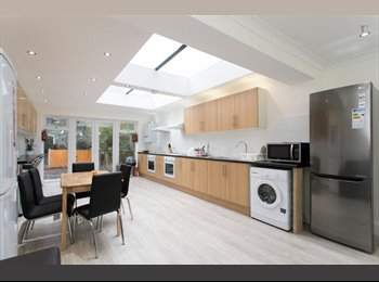 SUPERB NEW DOUBLE WITH HUGE LIVING ROOM IN W3!!