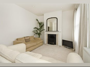EasyRoommate UK - 2 Bed Victorian First Floor Flat With Garden - Forest Gate, London - £1,560 pcm