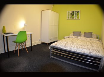 EasyRoommate UK - Newly refurbished house! –No deposit!! - Levenshulme, Manchester - £400 pcm