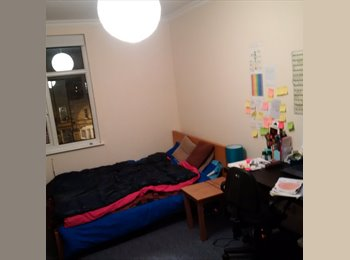 BIG DOUBLE ROOM ON HOLLOWAY ROAD