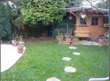 Lovely Double Room in Shared House in High Barnet. Hi speed...
