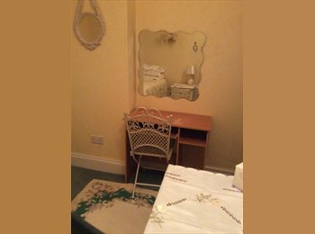 EasyRoommate UK - Double room single occupancy  - Heald Green, Stockport - £400 pcm