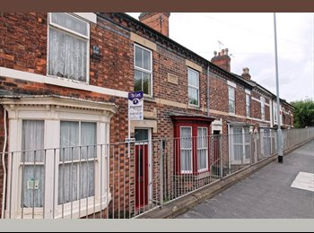 5 double rooms available on Shobnall Street, Burton On...